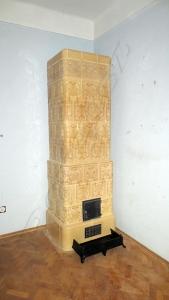 Sok törött csempe volt benne, de sikerült a szobadíszből működő kályhát csinálni Göd.