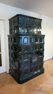 Cserépkályha Nagykovácsi. Ezt az 5 éve épült kályhát azért kellett átrakni mert az előző ályhás kicsit kevesebb samottot rakott bele