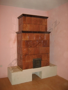Cserépkályha Budakeszi, Bontott csempéből új párkánnyal ülőpadkával